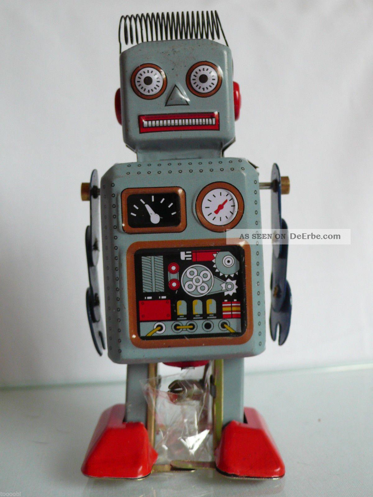 Blechspielzeug Roboter Antikspielzeug Nostalgie Made In China Walking Robot Gefertigt nach 1970 Bild