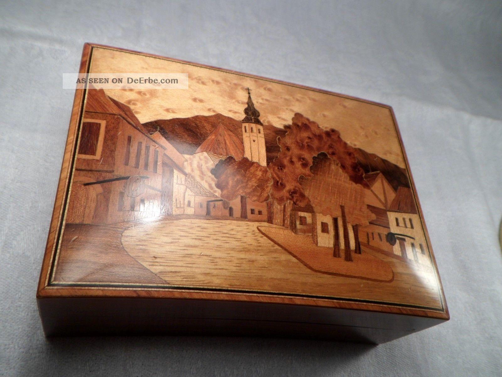 Gewölbte Schatulle Holz Holzdose Mit Intarsien Dorf Mit Kirche Poliert 14x10x5cm Holzarbeiten Bild