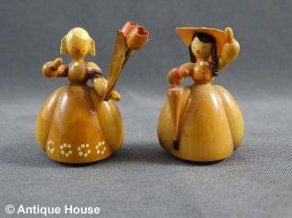 Erzgebirge Volkskunst 2 Holzfiguren Biedermeier Damen Gahlenz Bild