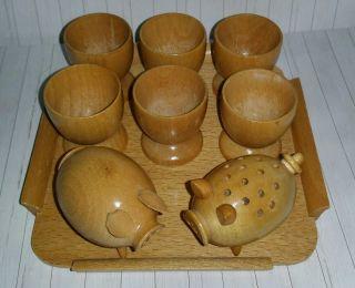 Eierbecher Holz 6st.  Auf Tablett Mit Salz U.  Pfefferschwein Bild