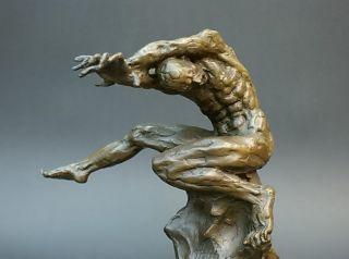 """Bronze Figur """"auflehnung"""" Bild"""