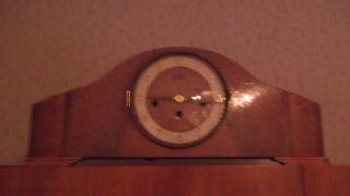 Uhr,  Mit Holzrahmen,  Zifferblattdurchmesser Von 17 Cm Bild