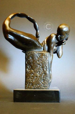 Bronze ' Lady Scorpion ' - Sternzeichen - Signiert Bild