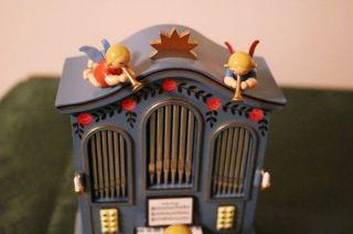 Engel Mit Orgel Ohne Musikwerk Bild