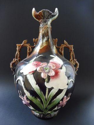Große Majolika Jugendstil Prunkvase Pomp Vase Art Nouveau Floral Iris Flower I. Bild