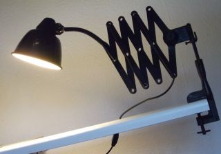 Scherenlampe Fabriklampe Alte Leuchte Gelenklampe Werkstattlampe Bauhaus Bild