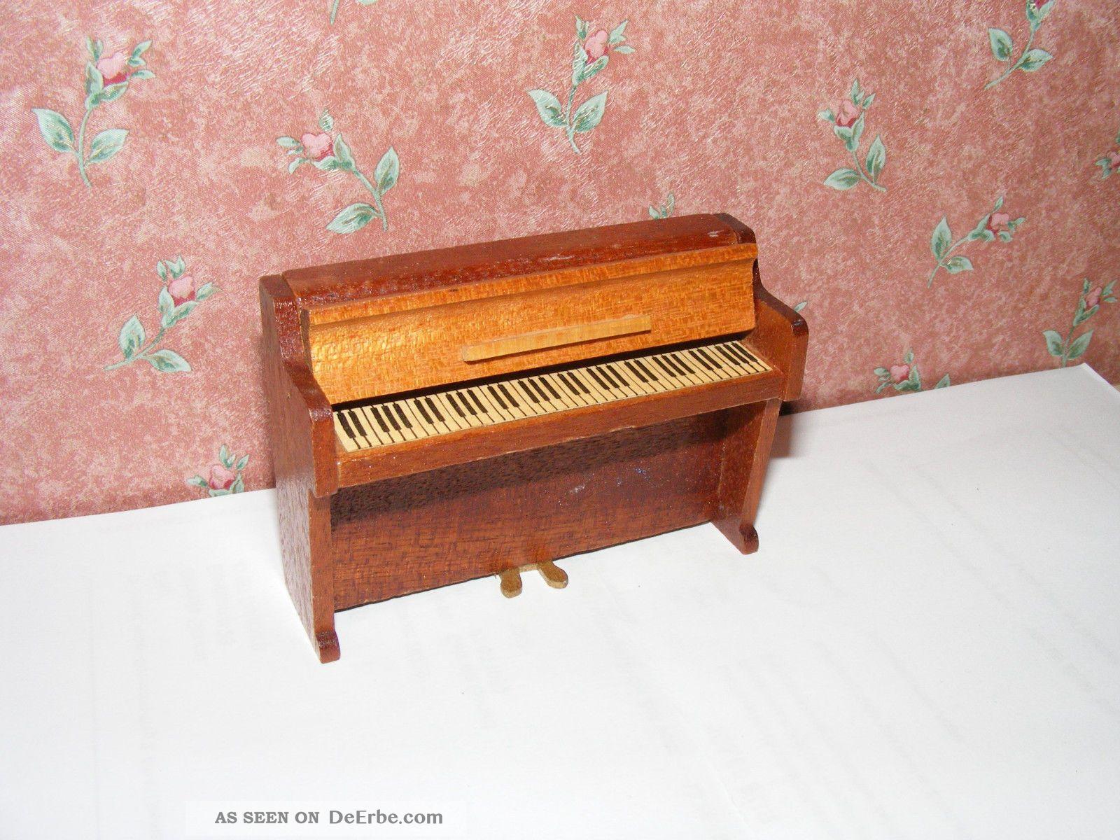 Altes Piano - Klavier - 60/70er Jahre - Lundby - Lisa - Puppenhaus - Puppenstube - 1:18 Original, gefertigt vor 1970 Bild