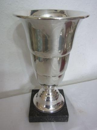 Versilberter Pokal Von Reneka,  Vase,  Frankreich Bild