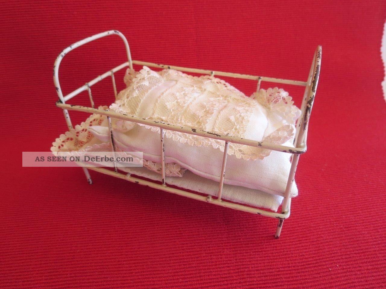 Kleines,  Altes Puppenbett Metall,  Puppenstube,  Um 1940 Original, gefertigt vor 1970 Bild