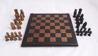 Herrliches Antikes Schachspiel Aus Gutem Massivem Material Brett,  Figuren Bild