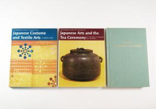 Japanisches Kunsthandwerk - Japanese Arts - 3 Bücher - Tea Ceremony - Costumes. Bild