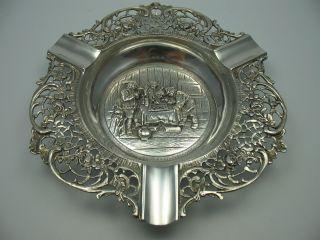 Wunderschöner Massiver Aschenbecher Mit Wirtshausszene Aus 835 Silber 140 Gramm Bild