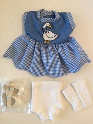 Schildkröt Puppenkleid Blau - Weiß Mit Gans,  Kariert,  4 - Teilig Bild