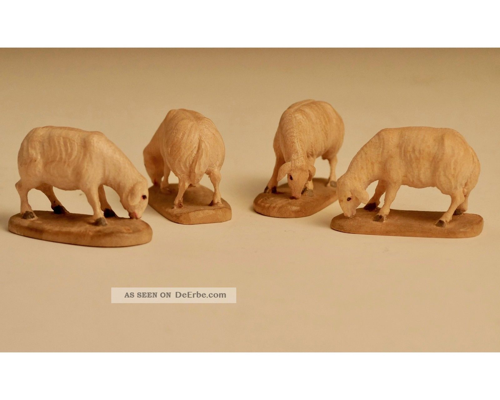 Krippenfiguren - Schafe - äsend - Holz Holzarbeiten Bild
