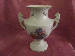 Tettau Atelier Vase Griffe Flügel Weiß Buntes Blumenmuster Goldrand Edel 17244 Bild