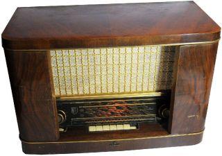Alter Rundfunkempfänger