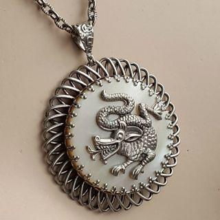 Anhänger Drache Dragon Mit Perlmutteinlage 80er Vintage Kettenanhänger Ø4cm Bild