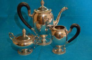 Alte Kaffeekanne Mit Sahnekännchen Und Zuckerdose Silber 800 1250 Gramm Bild