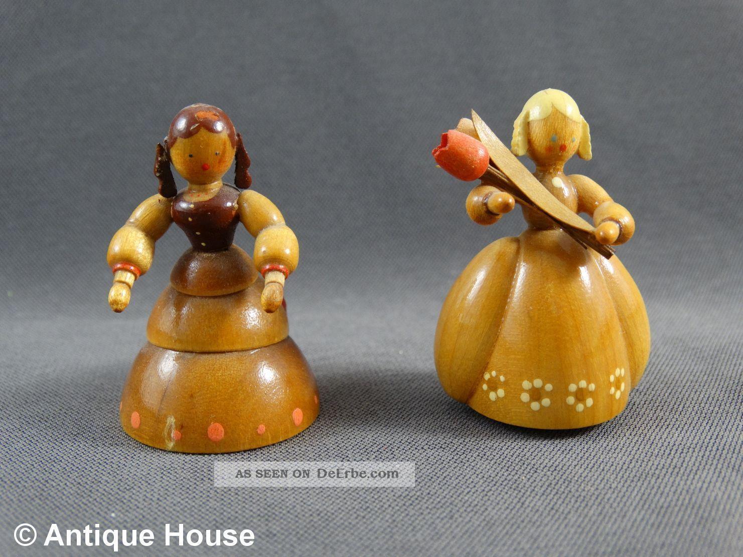 Erzgebirge Volkskunst Gahlenz 2 Holzfiguren Biermeier Damen Objekte nach 1945 Bild