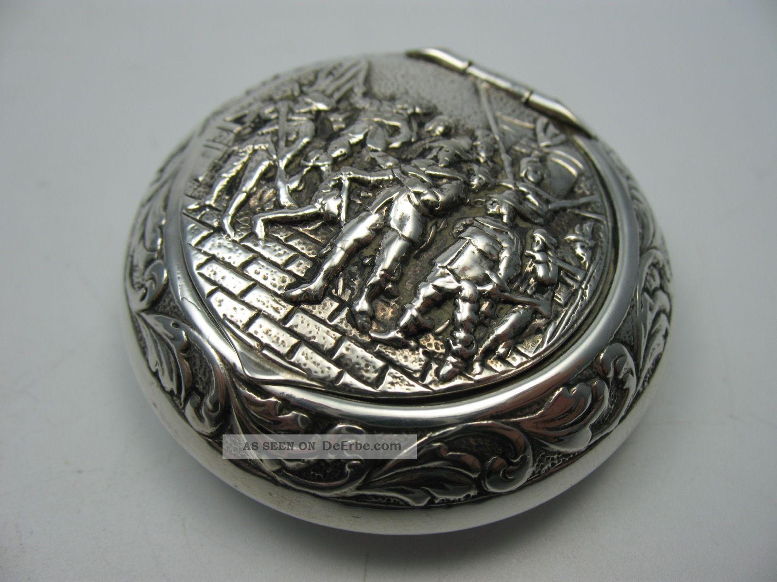 Reich Figürlich Verzierte Schöne Alte Pillendose Tabatiere Aus 800 Silber Objekte vor 1945 Bild