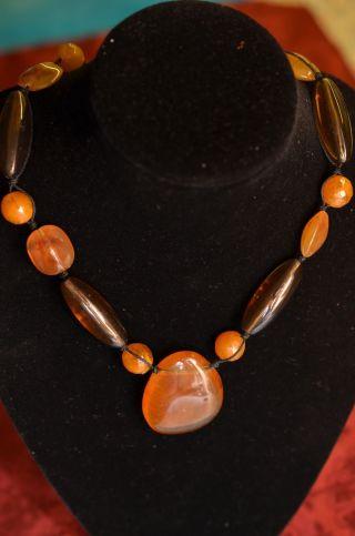 Alte Interessante Bernsteinfarbene Halskette Bild