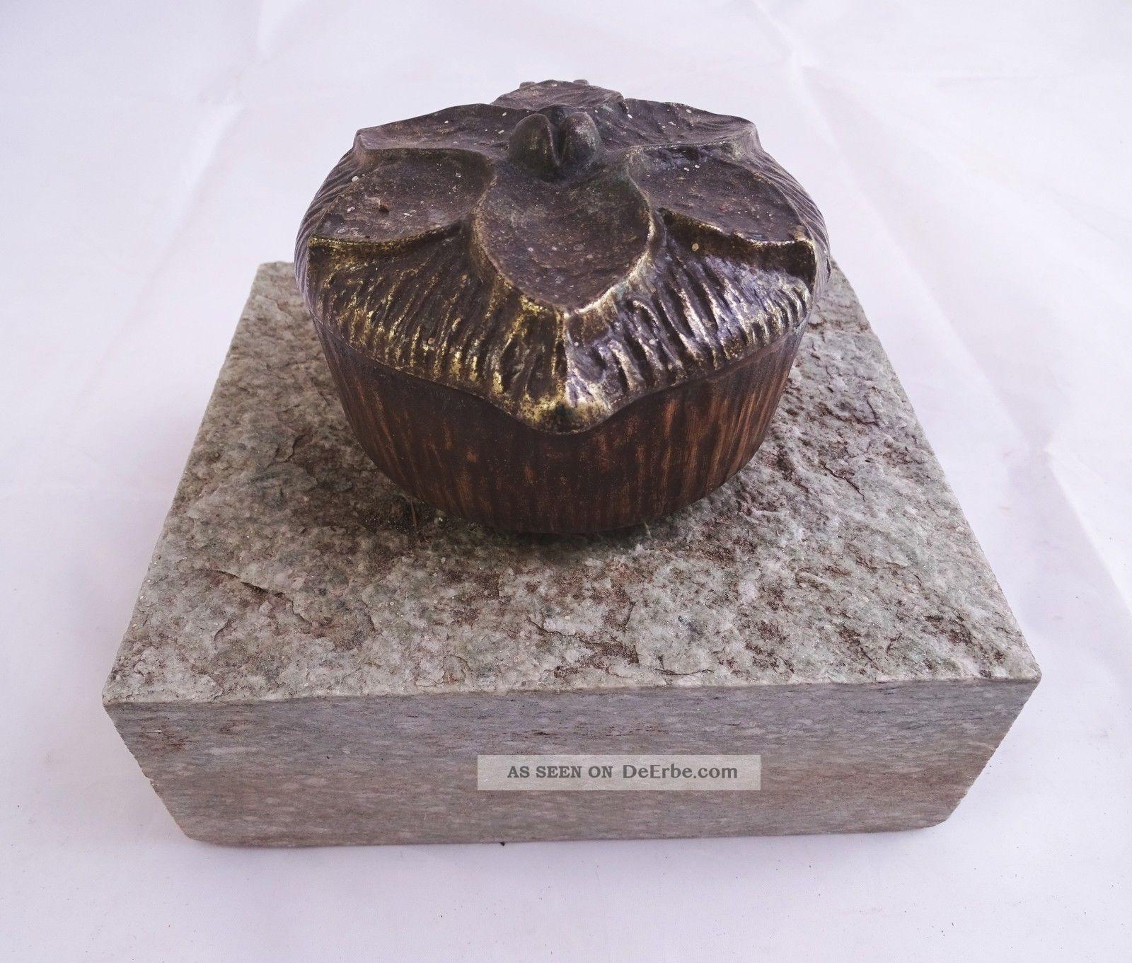 Grabschmuck Weihwasser Schale Spender Wohl Bronze Auf Granit Sockel Religiöse Volkskunst Bild