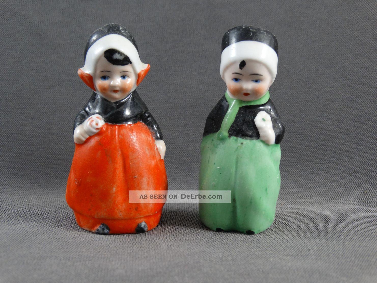 Alter Salzstreuer 2 Figuren Pärchen In Holland Tracht Nach Form & Funktion Bild