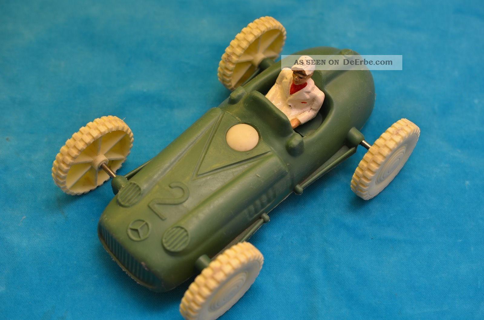 Altes Sammlerstück M.  S.  Favorit Silberpfeil Rennwagen Plastikauto 50er Jahre Original, gefertigt 1945-1970 Bild