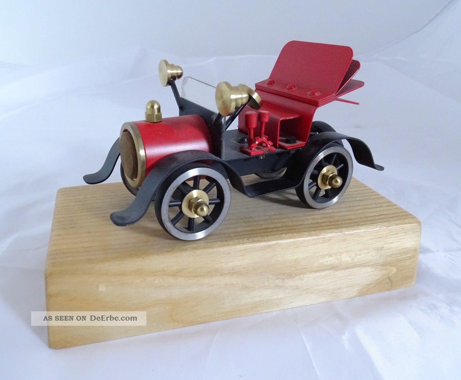 Frühes Auto Modell Aus Vollmetall Auf Holzsockel Hochwertige Arbeit Original, gefertigt 1945-1970 Bild