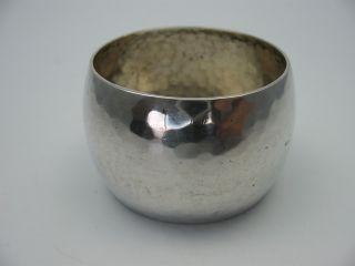Handarbeit Großer Hammerschlag Serviettenring Für Stoffservietten 800 Silber Bild