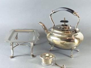 Teekessel Auf Rechaud - Versilbert Bild