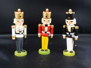 Erzgebirge Volkskunst 3 Miniatur Nußknacker 7,  5 Cm Seiffen Echte Handarbeit Bild