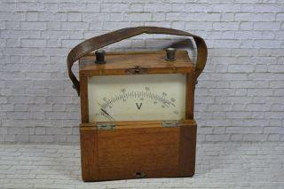 Antikes Spannungsmessgerät,  0 - 250v Ac/dc Holzgehäuse,  1910; K23 69 Bild
