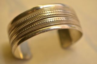 Schöner Verzierter Massiver Armreif Silber 925 Bild