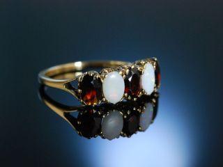 Granat Opal Ring Gold 375 London Um 1978 Viktorianischer Stil Garnet Opal Ring Bild