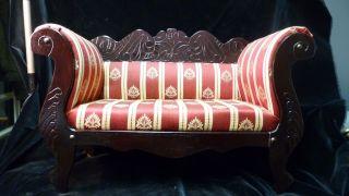 Altes Vintage Puppen Sofa - Groß - H/b/t 32 X 50 X 20,  5 Cm - Schön Bezogen Bild