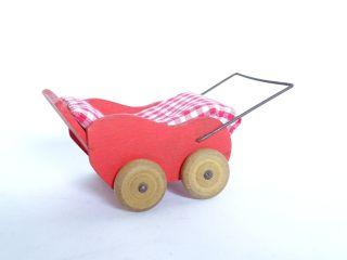 Ausgefallener Originaler 70er Jahre Kinderwagen Für Die Puppenstube Aus Holz Bild
