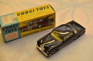 Sammlerstück Corgi Toys 230 Mercedes - Benz 220 Se Coupe Bild