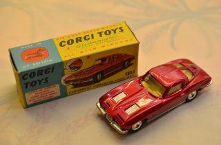 Sammlerstück Corgi Toys 310 Chevrolet Corvette Sting Ray Bild