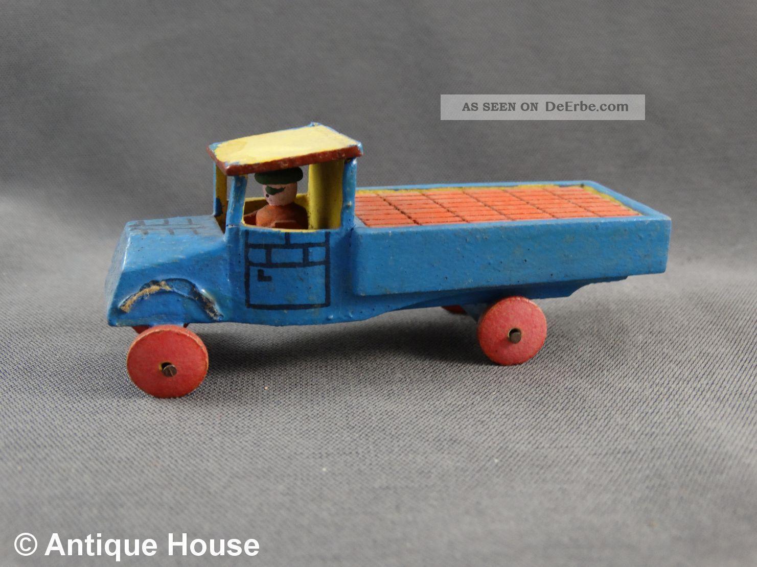 Erzgebirge Seiffen Alter Miniatur Lastwagen Lkw Transporter Ladung Steine Backst Objekte nach 1945 Bild