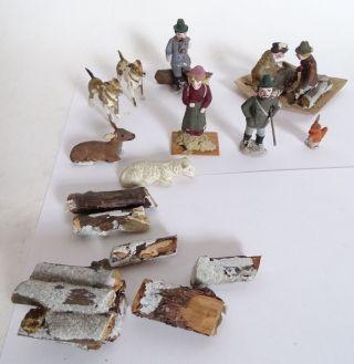 Antikes Konvolut Massefiguren Jäger Hunde Schaf Eichhörnchen Reh Bauer Feuer Bild