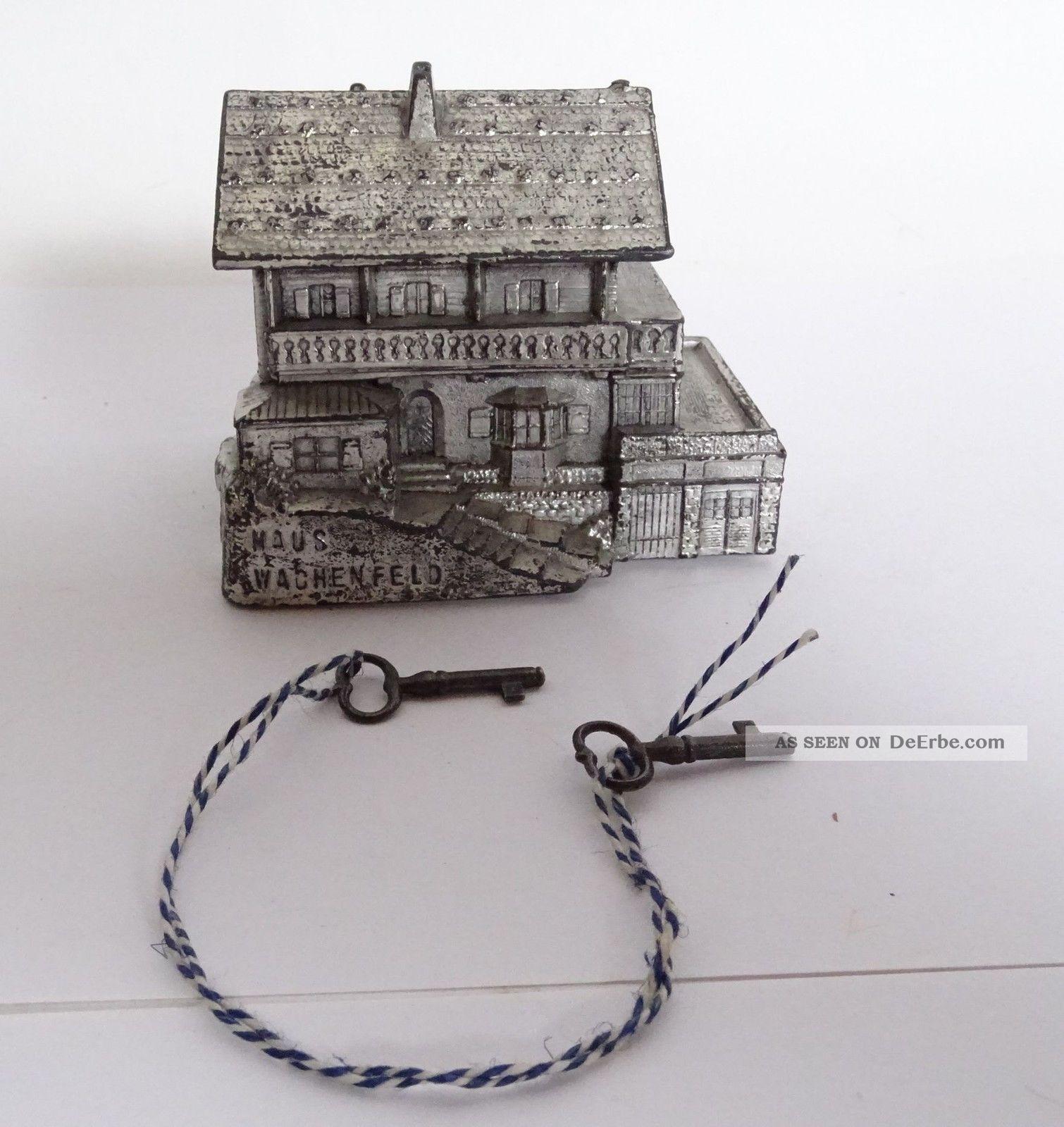 Antike Spardose Haus Wachenfeld Metall Dose Inkl.  Paar Seltene Schlüssel Original, gefertigt vor 1945 Bild