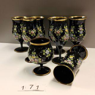 Sammlung 8 Versch.  Hyalithglas Schwarzglas Gläser Mit Goldrand Emaille Bemalung Bild