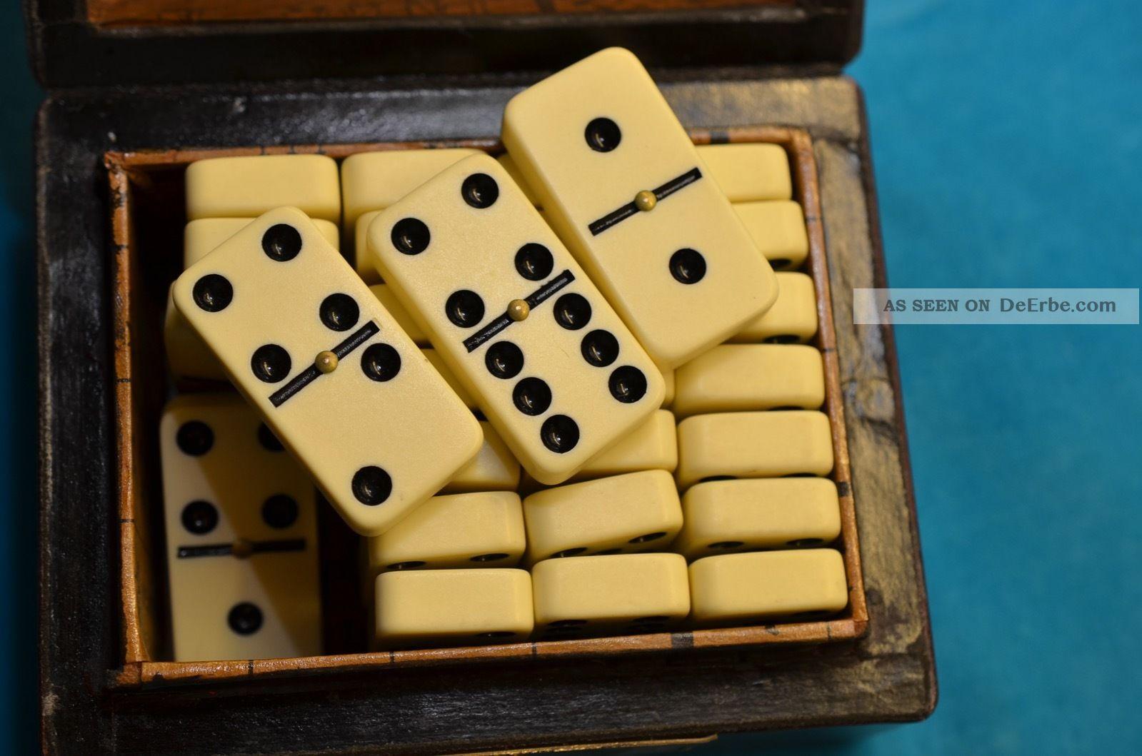 Altes Gut Erhaltenes Dominospiel In Holzschatulle