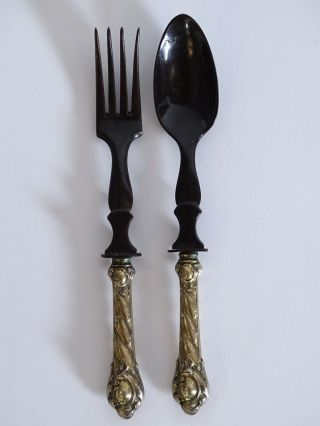 Antikes Salatbesteck Schwarz Aus Bein Oder Horn Mit Silbernem Griff Um 1900 Bild