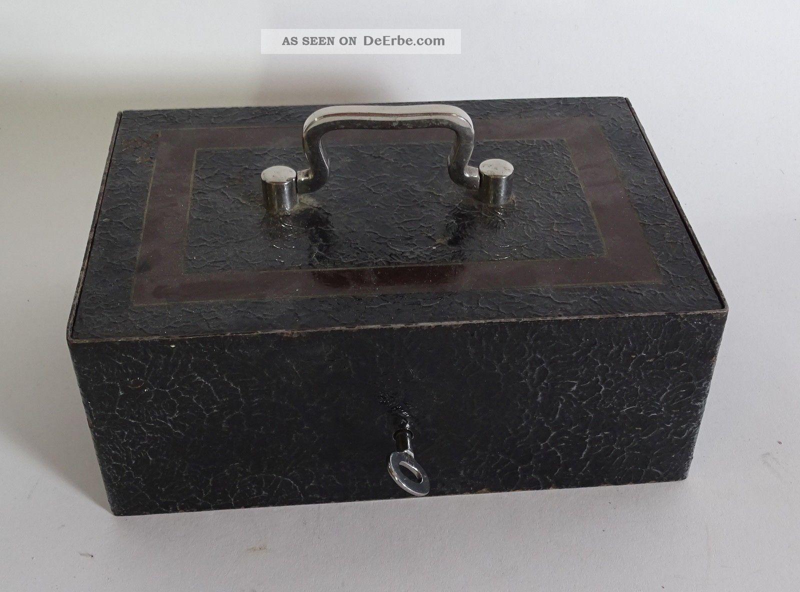Massive Antike Geldkassette Aus Eisen Abschließbar Mit Schlüssel Und Einlegefach Kaufleute & Krämer Bild
