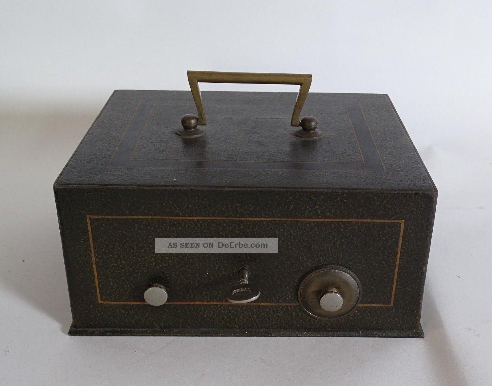 Antike Massive Schwere Eisen Geldkassette Abschließbar Schlüssel Und Einlegefach Kaufleute & Krämer Bild