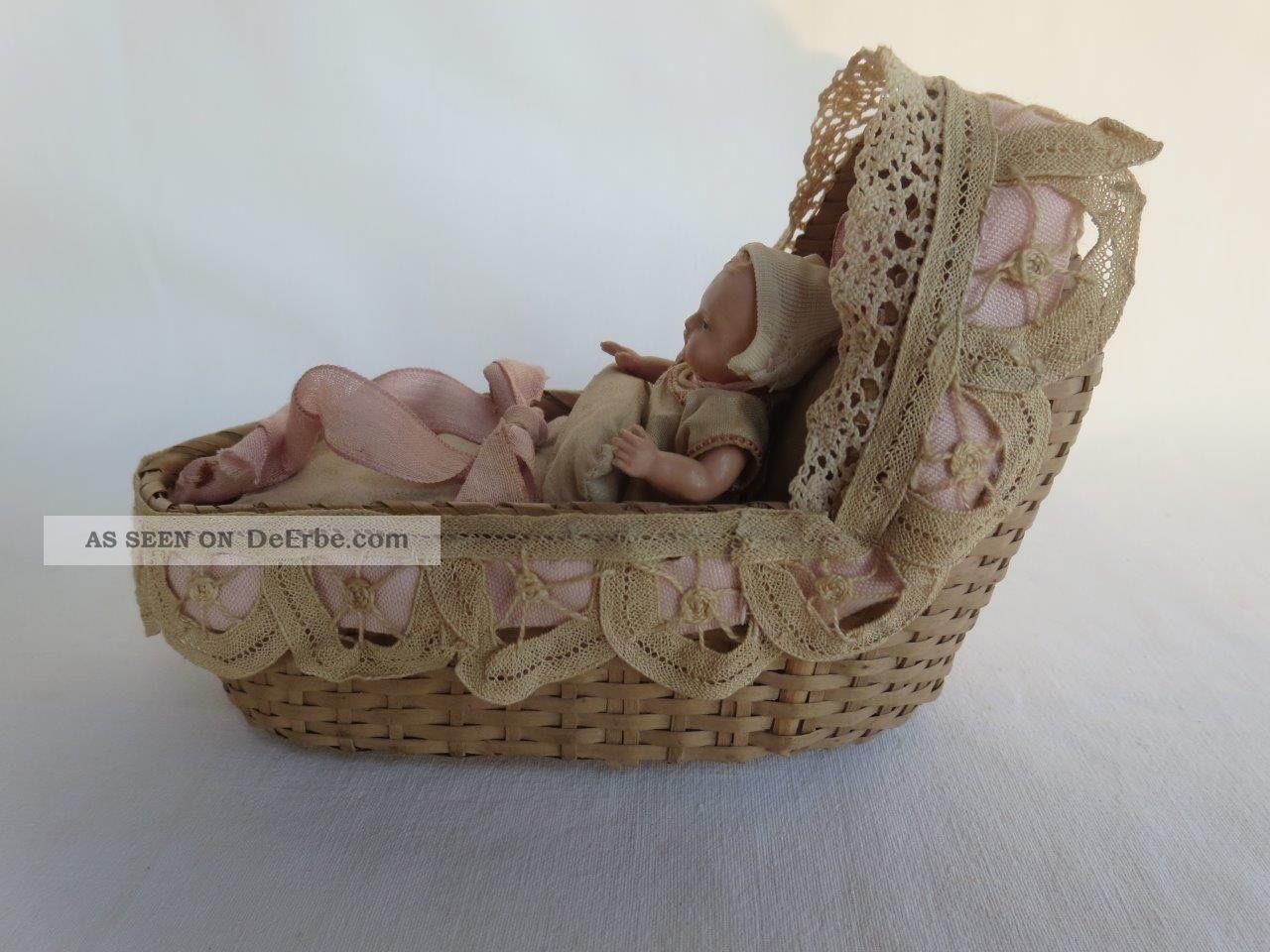. Uraltes Kleines Puppenkörbchen Mit Minerva 8 1/2 Celluloid Puppe,  Zusta Original, gefertigt vor 1970 Bild