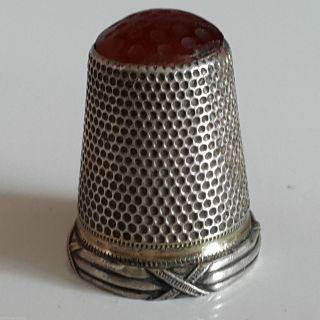 Jugendstil Fingerhut 800er Silber Mit Karneol Kreuzbandmuster Bild
