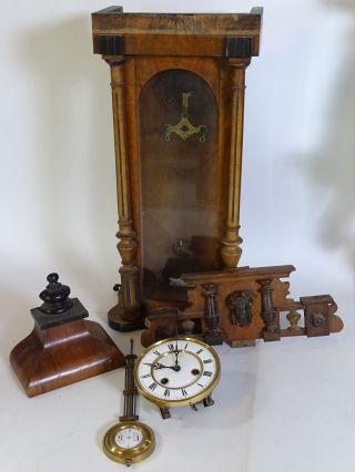 Antiker Regulator Korpus Mit Uhrwerk Pendel Und Verzierungen Wanduhr Pendeluhr Bild